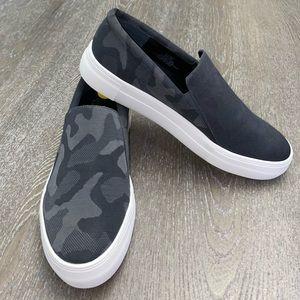 Vince Camuto VP KORLI 2 Slip On Sneakers Size 9